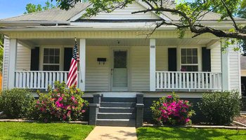 Century Old Charmer Mount Airy NC cottage rental