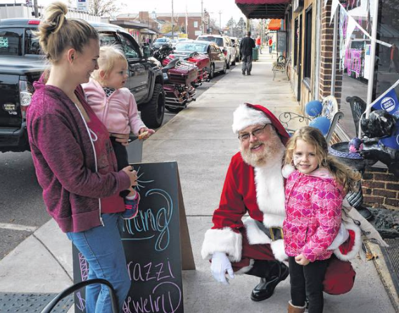 Deck the Halls in Downtown Pilot Mountain