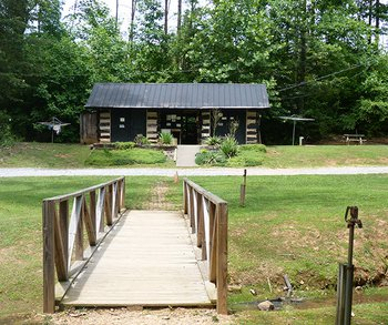Pioneer Village Family Campground